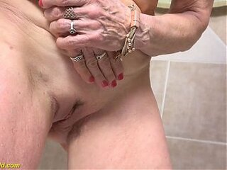 Videos from oldgrannypussies.com